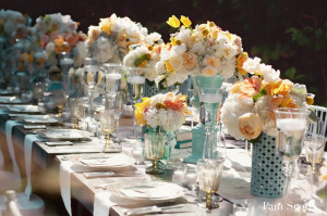 blue-white-peach-vintage-wedding-table-centerpieces-1